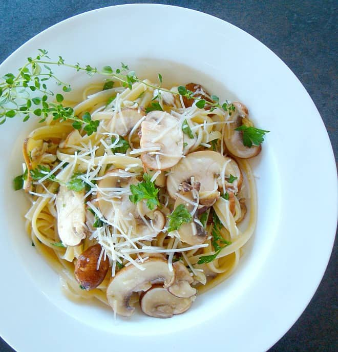 Linguine With Lemon, Garlic, And Thyme Mushrooms Recipes — Dishmaps