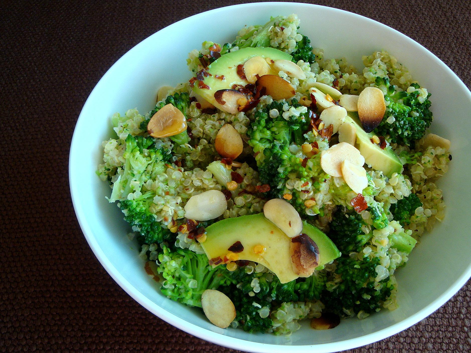 Quinoa with Broccoli Pesto - Good Dinner Mom