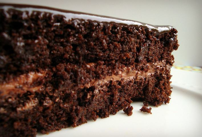 This Super Moist Chocolate Cake Looks Amazing And Tastes Even Better I Almost Don