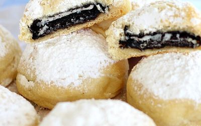 """Coal In The Snow Cookies – Baked """"deep fried"""" Oreos"""