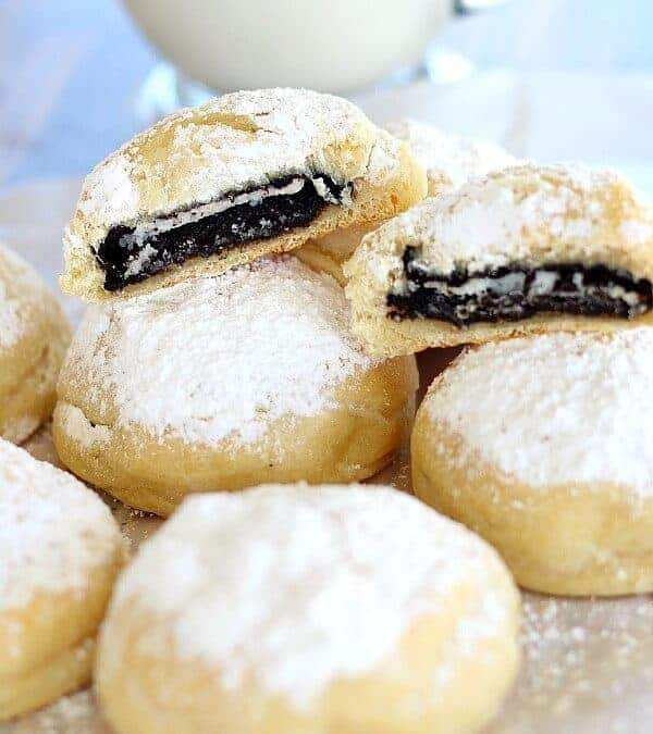 "Coal In The Snow Cookies – Baked ""deep fried"" Oreos"
