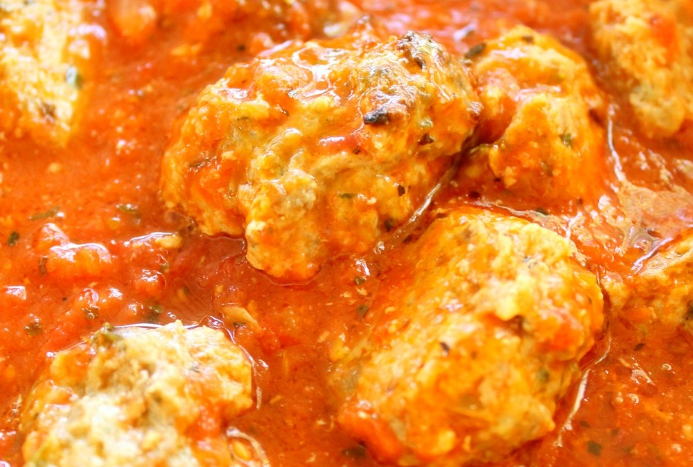 Ultimate Meatballs with Tomato Sauce