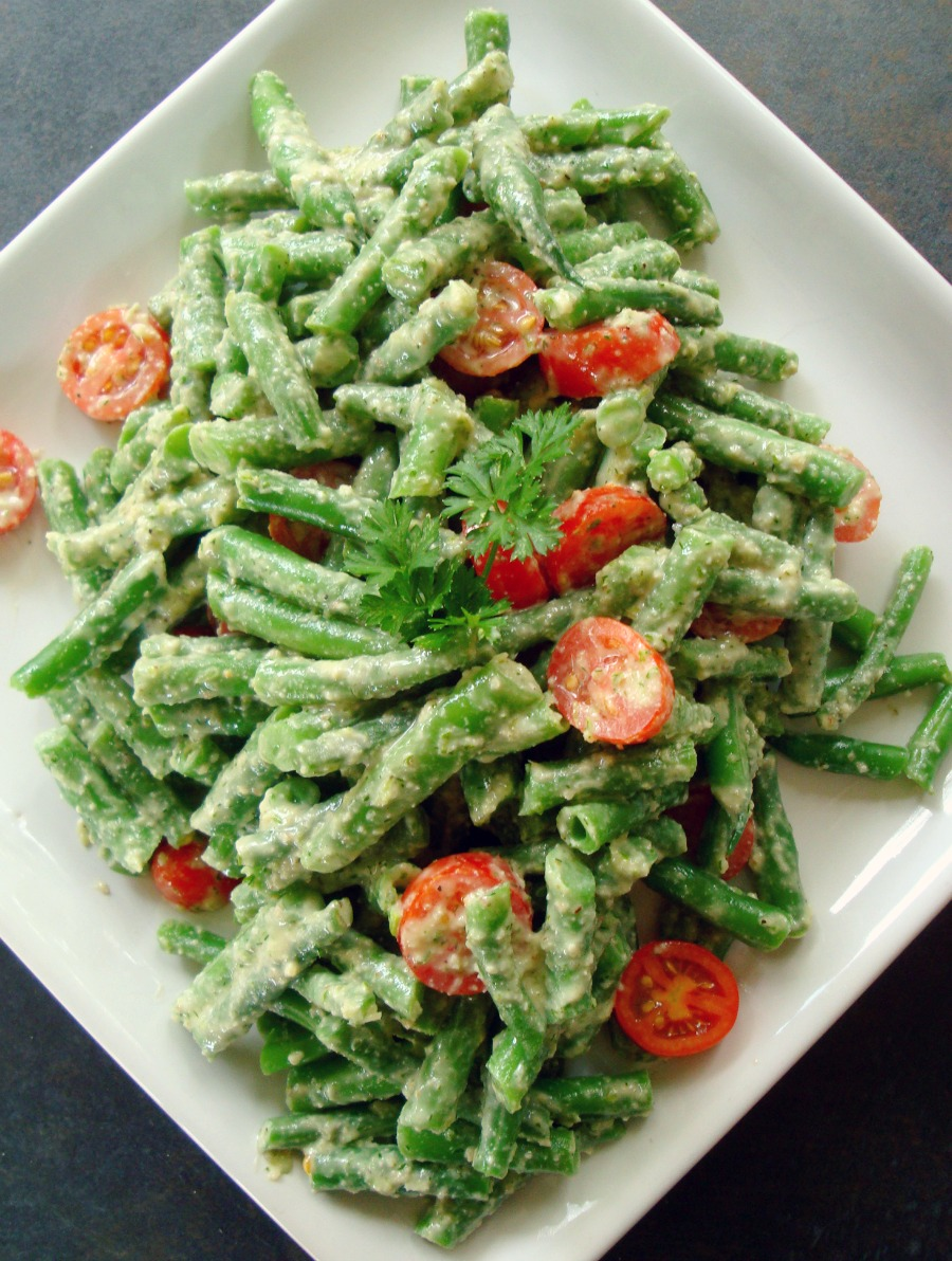 Green Beans in Dill Walnut Sauce