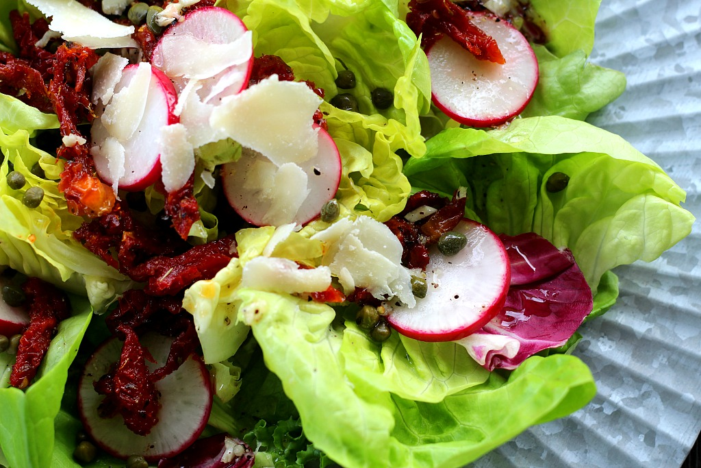how to cut lettuce for salad