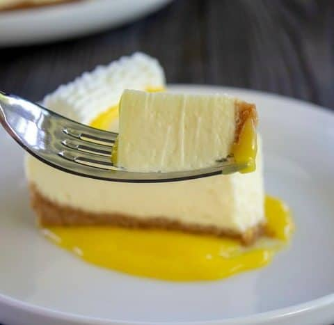 no bake cheesecake on a fork