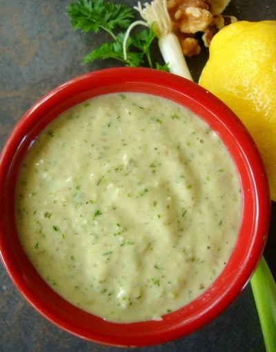 Green Beans in Dill Walnut Sauce